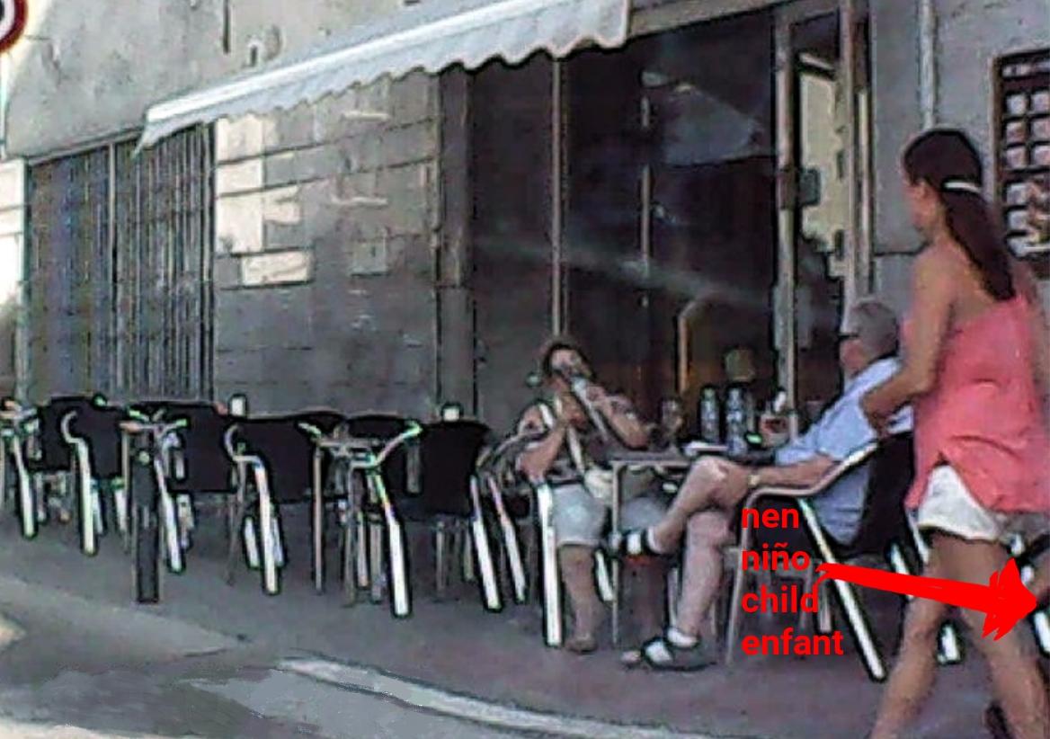 Vorera bar cantonada estartit carrer port